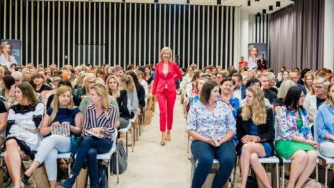 Tańsze szkolenia dla uczestniczek premiery książki Kobieta Asertywna – Kamila Rowińska – vlog
